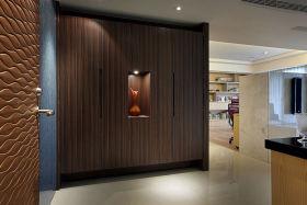 褐色现代风格入门玄关隔断欣赏