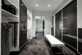 现代风格黑色时尚衣帽间装潢设计