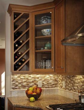 褐色美式风格酒柜装修设计案例