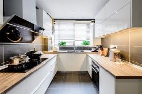 简约风格米色时尚厨房设计案例