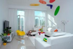 多彩创意混搭客厅装饰图