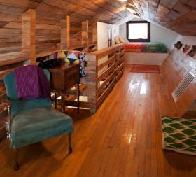 原木质朴混搭风格阁楼设计装潢