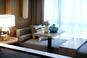 灰色新中式风格卧室飘窗效果图赏析