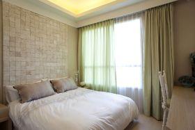 清爽米色简约风格卧室飘窗装饰图