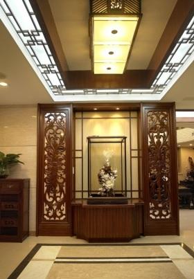 传统中式风格原木雅致玄关装修图