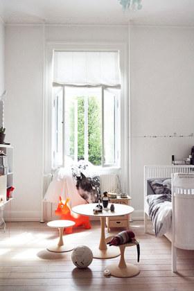 白色宜家风格儿童房窗户装修