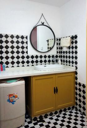 创意混搭黑白卫生间装修效果图片
