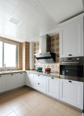 白色现代风格厨房橱柜设计赏析