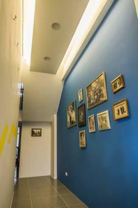 简约个性蓝色照片墙装潢