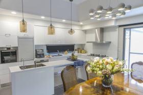 轻盈简欧风格白色厨房图片欣赏