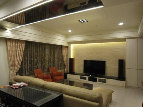 黄色美式风格客厅背景墙设计欣赏