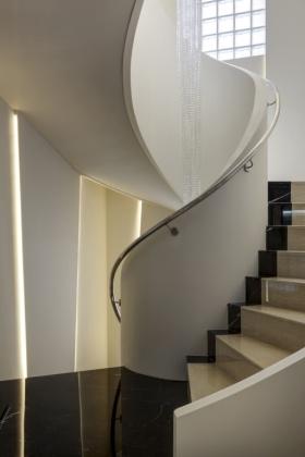 米色个性创意现代风格楼梯装修效果图