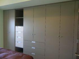 混搭风格灰色衣柜设计案例