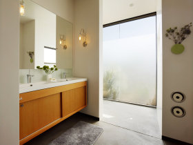 原木色简约风格卫生间浴室柜设计欣赏