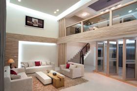 时尚现代原木色客厅装修图