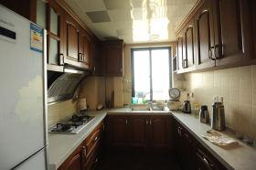欧式黄色厨房橱柜装修效果图