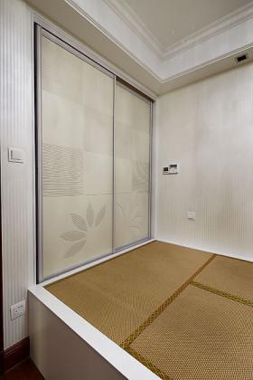 白色简约风格卧室榻榻米效果图