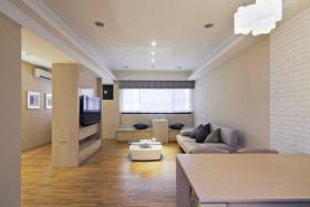 原木色现代风格客厅背景墙隔断美图赏析