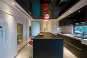 现代风格大气黑色吧台装饰案例