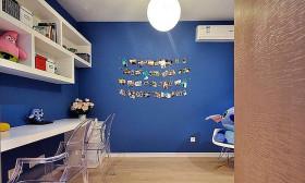 蓝色个性混搭风格照片墙设计图片