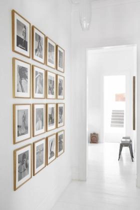 简约风格白色照片墙效果图