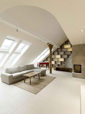 白色混搭风格阁楼设计赏析