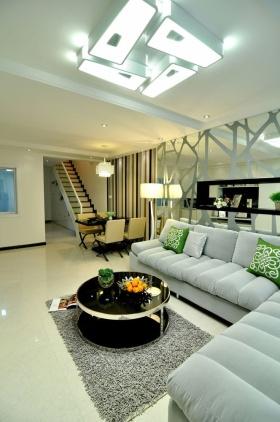白色简约风格客厅吊顶装修效果图