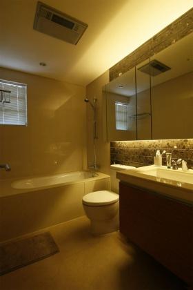简约风格黄色卫生间装饰设计图片