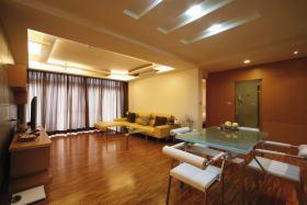 现代橙色客厅装修美图赏析