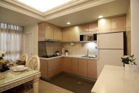 现代风格时尚米色厨房装潢案例