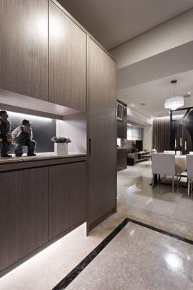 灰色现代风格玄关装潢设计