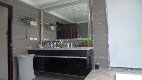 现代风格黑色卫生间效果图欣赏