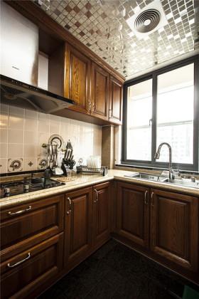 原木色美式风格厨房橱柜装修图片