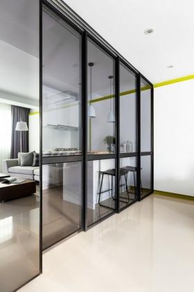 通透明亮现代风格黑色隔断设计装潢