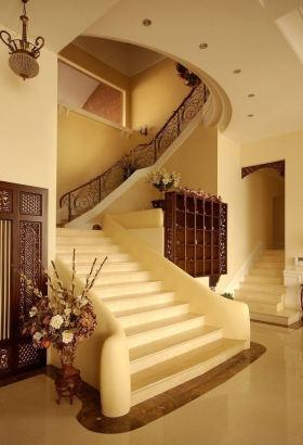 复古典雅黄色混搭风格楼梯图片