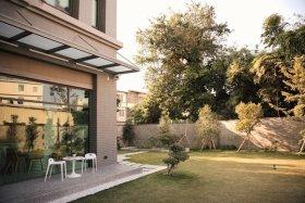 绿色现代风格花园图片欣赏