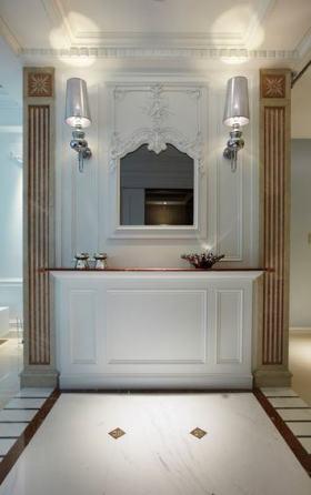 白色欧式风格玄关装饰柜设计图