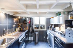 现代风格黑色时尚厨房装饰图