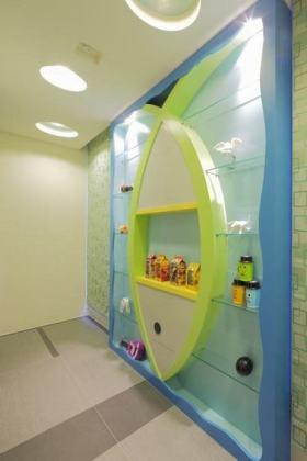 清新现代风格蓝色收纳展示柜装修设计
