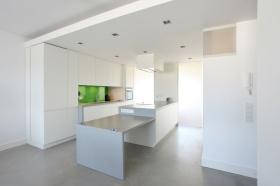 白色简约现代厨房餐厅一体式设计装潢