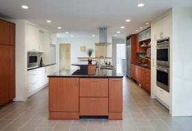 现代时尚厨房吧台装饰案例