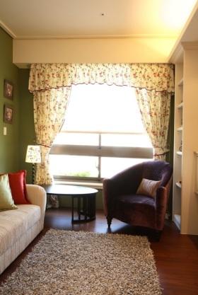 米色田园风格客厅窗帘美图欣赏