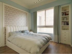 白色宁静现代卧室设计欣赏