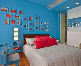时尚混搭蓝色照片墙装修效果图片
