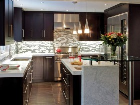 黑色现代风格厨房橱柜图片赏析