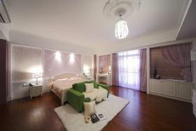 现代风格紫色卧室装饰图