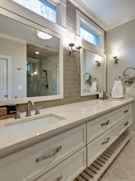 白色素雅简欧风格卫生间设计案例