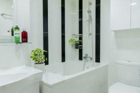 白色时尚现代风格卫生间装饰设计图片