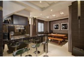 褐色简约风格厨房吧台装修美图赏析