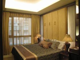 黄色东南亚风格卧室装修图